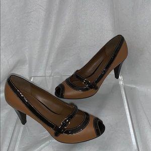 Etienne Aigner Size 9 Camel/Patent Peep Toe Heel